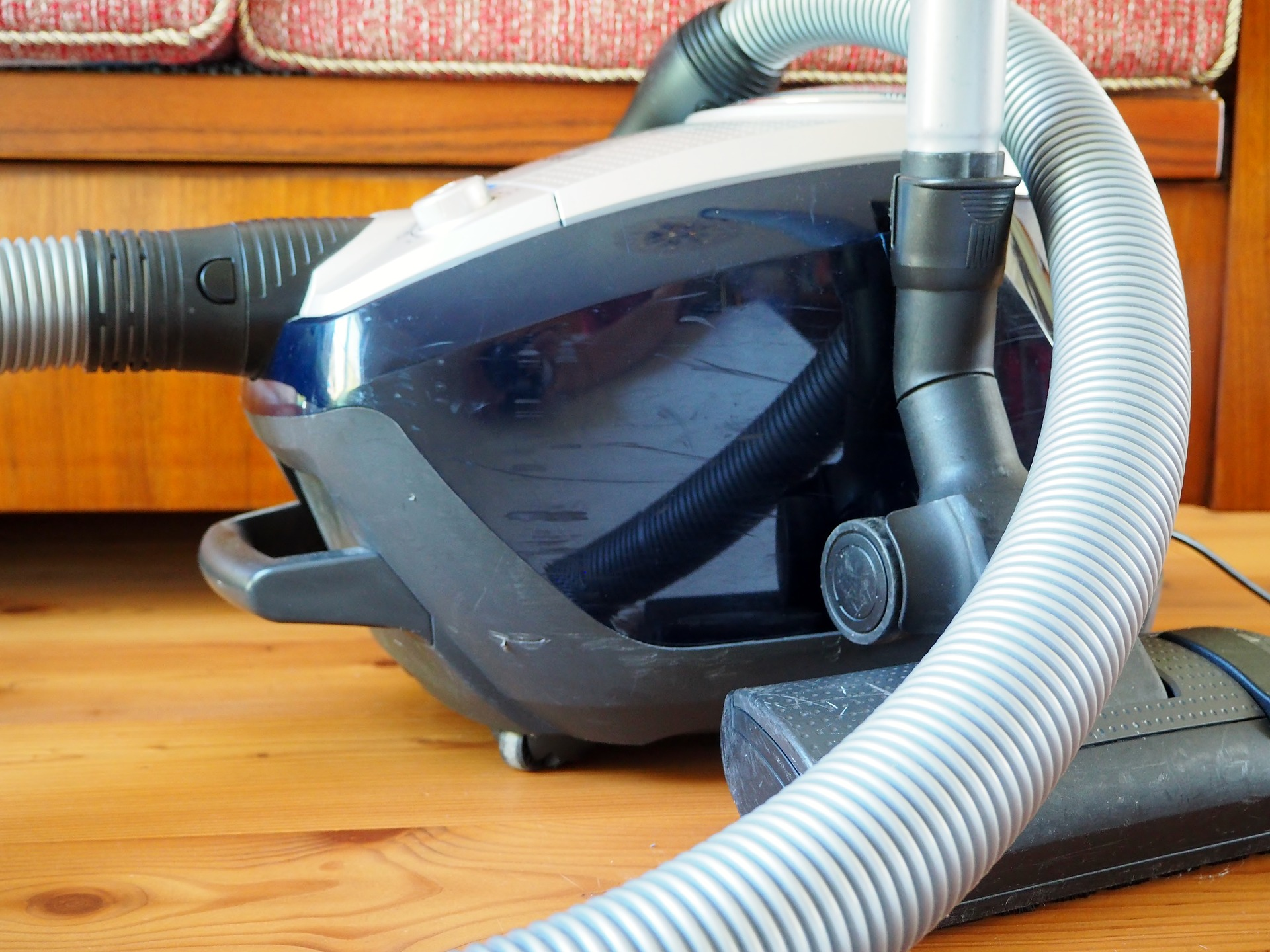 6 Best Vacuum For Laminate Floors - Complete Guide and Reviews