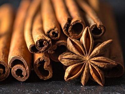 Huile Essentielle de Cannelle: Huile Essentielle de Cinnamomum cassia