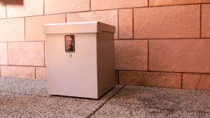 clevermade locking parcel box