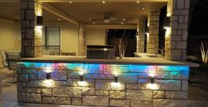 7 outdoor kitchen lighting ideas