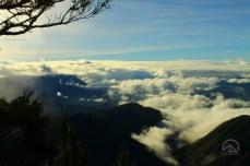 Sea of clouds at Paasa Peak