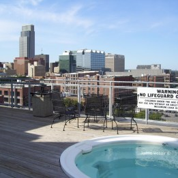 Rooftop hot tub near downtown Omaha
