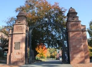 gates to Mount Holyoke