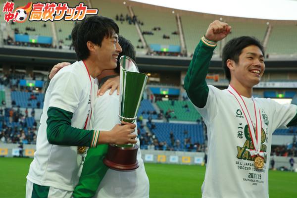 チーム内競争で高め合う青森山田。鳴海彰人と高橋壱晟、ふたりの「得点王」争い