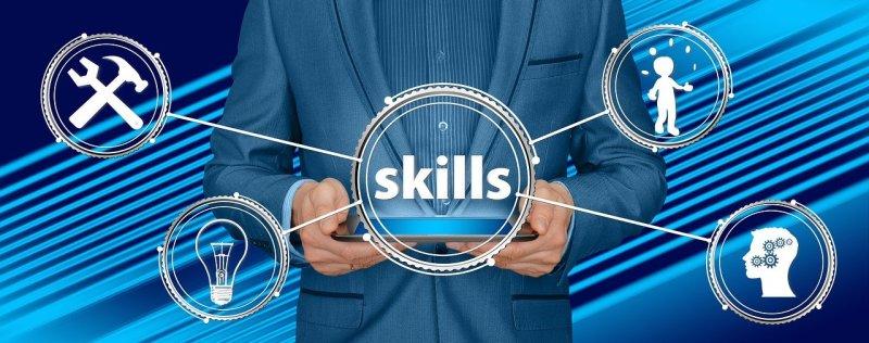 como incluir habilidades e competências no currículo