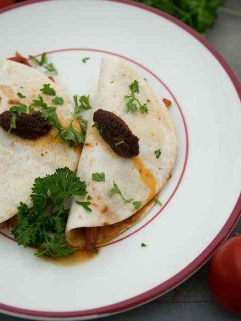 Vegetariche tortilla's met tomaat