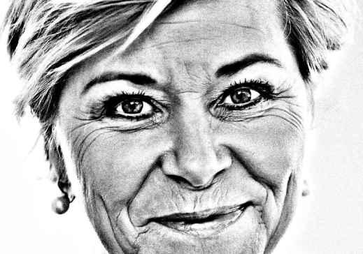 Finansminister Siv Jensen (Frp). Fotograf: IC Hendel. Digital bearbeidet av blogger.
