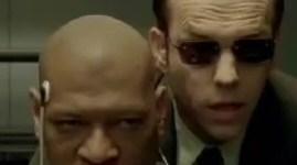 Laurence Fishburne and Hugo Weaving in The Matrix