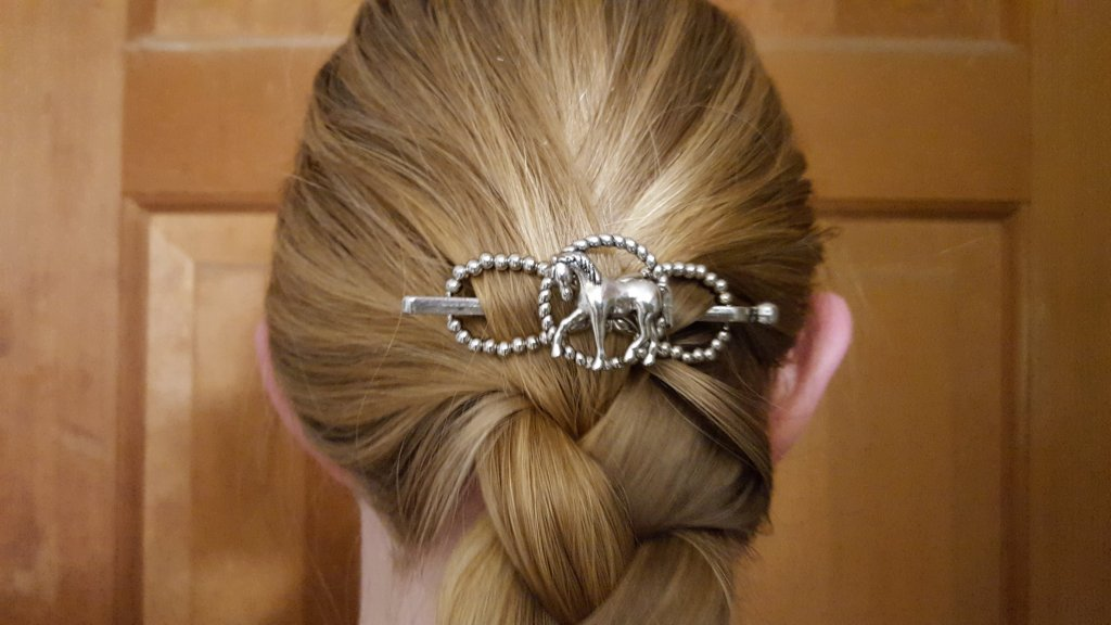 silver horse hair clip figure eight with silver pin Lilla Rose