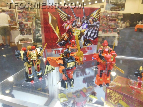 transformers=botcon-2013-generatations-prime-paltinum (102)__scaled_600