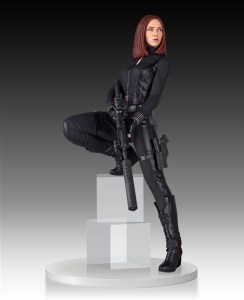 Black-Widow-Statue