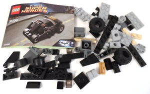 Lego The Batman Tumbler 02 Contents