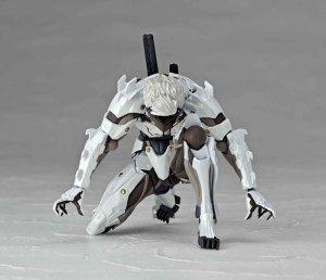 Metal-Gear-Rising-Revoltech-Raiden-White-Armor-007