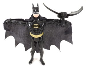 Batman Figure Shadow Wing 01