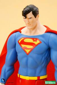 DC Universe Super Powers Superman ARTFX+ Statue. (11)