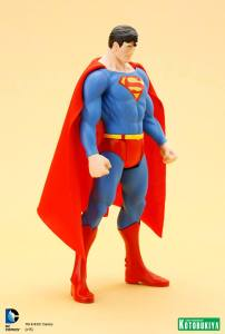 DC Universe Super Powers Superman ARTFX+ Statue. (9)