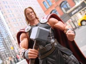 Mighty Thor Marvel Select (1)