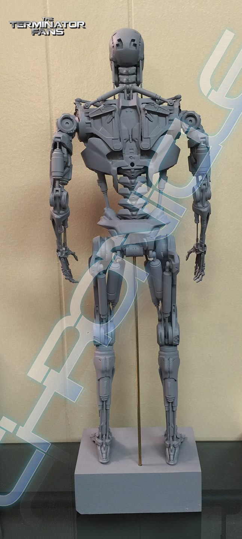 Terminator Genisys Premium 1  4 Scale Endoskeleton Figure