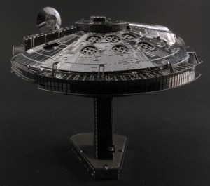Metal Earth Millenium Falcon 06