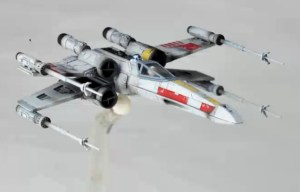 Revoltech-Star-Wars-X-Wing-001