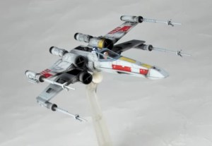 Revoltech-Star-Wars-X-Wing-002