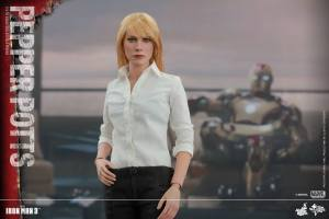 Pepper Potts Collectible Figure (5)
