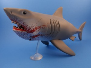 Jaws Reaction Bloody Shark 08