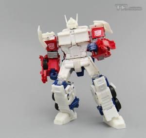 TF Upgrader Optimus 03