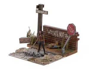 Walking-Dead-Construction-Wolves-Not-Far-004