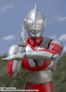 SH-Figuarts-Ultraman-Figure-007