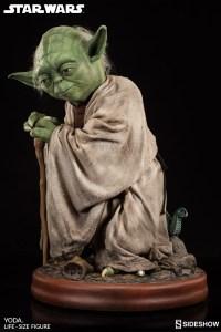 Yoda Life-Size Statue (3)