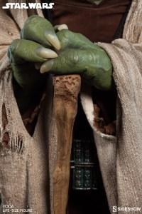 Yoda Life-Size Statue (8)