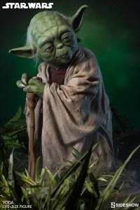 Yoda Life-Size Statue (9)