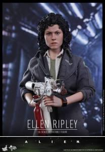 Ellen Ripley (4)