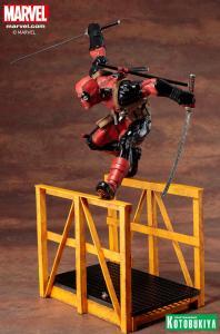 marvel-comics-super-deadpool-artfx-statue-12