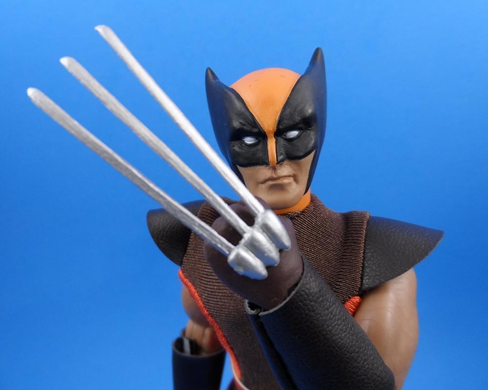 Marvel Retro Wolverine – Random Toys