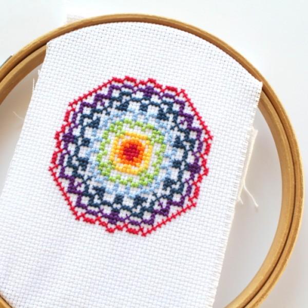 doily-cross-stitch-