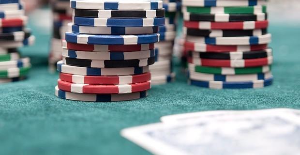 Kann man mit online Poker wirklich Geld verdienen?
