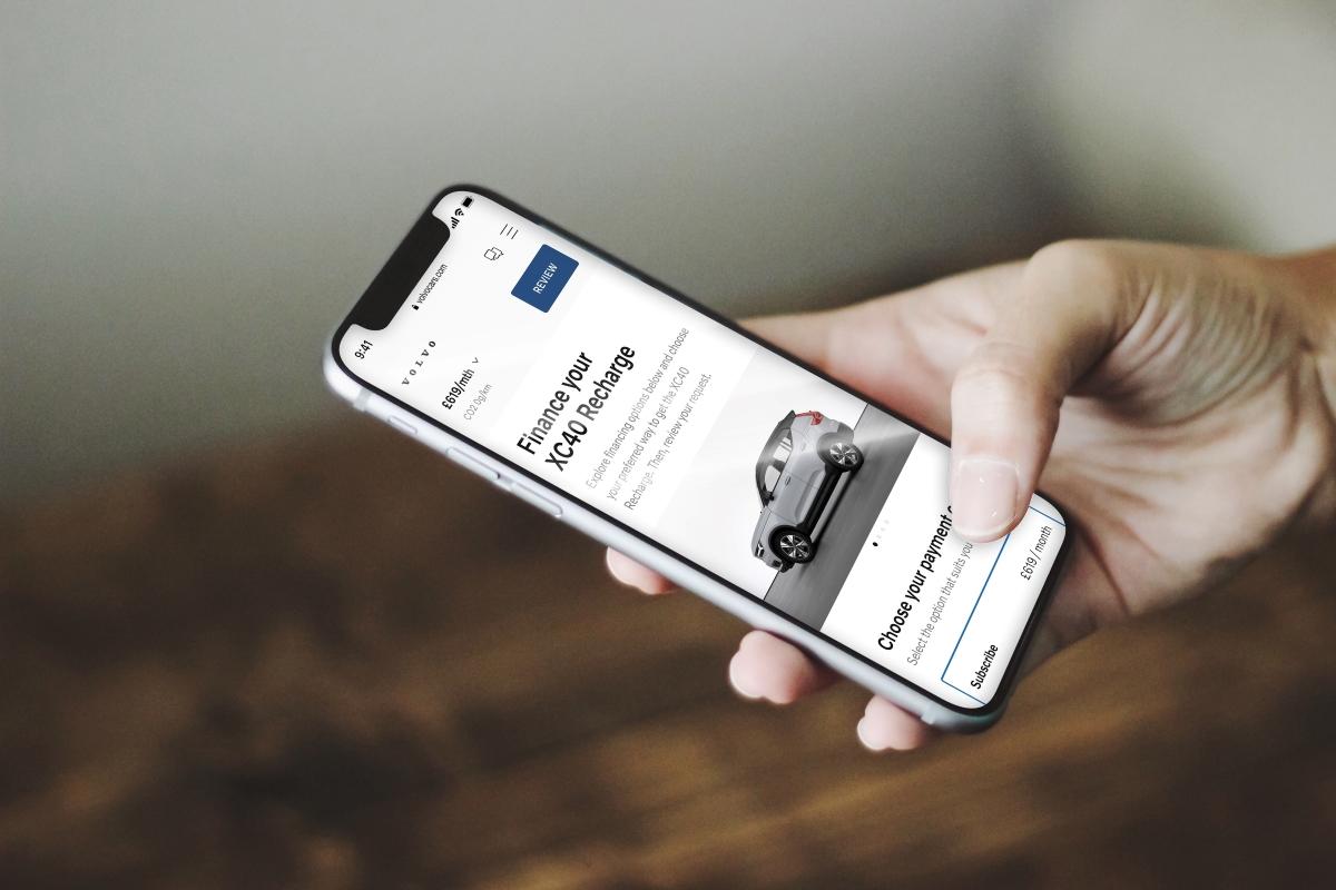 Volvo moves online