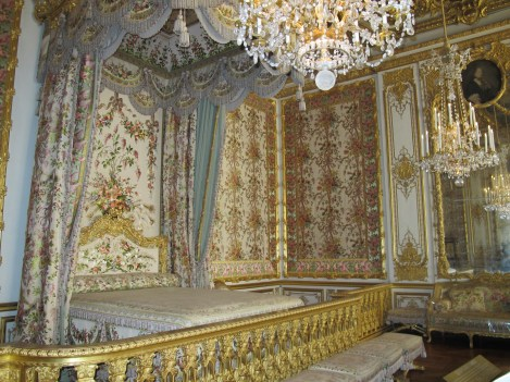The queen's room. I think it would be nauseating to have to wake up to that wallpaper every morning... beautiful room nonetheless.