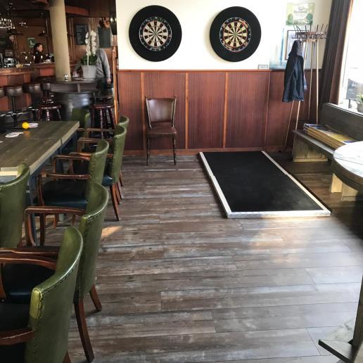 Quick-Step PVC in een café (door ons gelegd)
