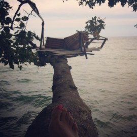 The quirkiest table for two at a Bar in Railay!