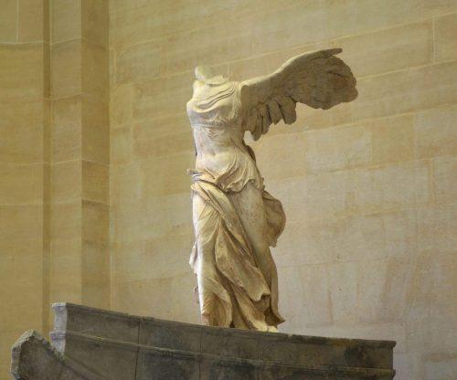 Victoire_de_Samothrace_Musee_du_Louvre-1140x1513