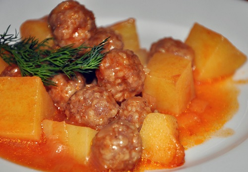patatesli-sulu-kofte-yemegi