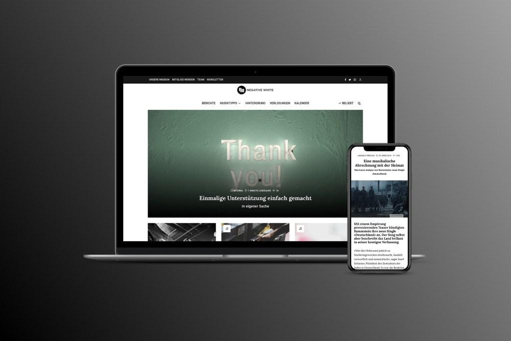 Die Website von Negative White auf Desktop und Mobile