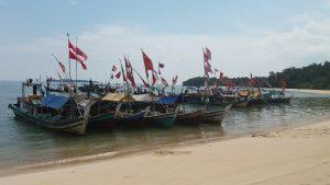 Barisan kapal nelayan Pulau Nangka (foto Roni)