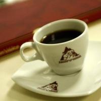 Starbucks, competirá con Juan Valdez y OMA en Colombia