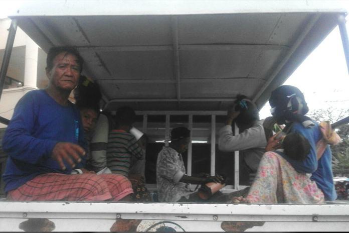 Badjaos in Dumaguete