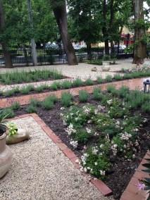 Siófok Jókai Villa kertje - Négy Évszak Kertészet (8)