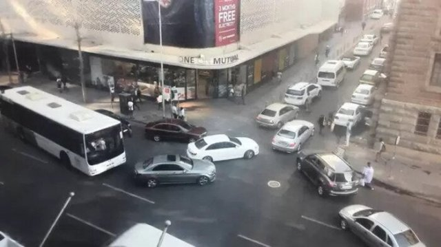 MOTORISTS drove the wrong way up Madiba Street and towards Church Square to avoid the traffic chaos in the CBD yesterday afternoon. (Picture: Ntando Makhubu)